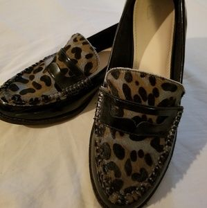 Shoes - Black loafer with animal print